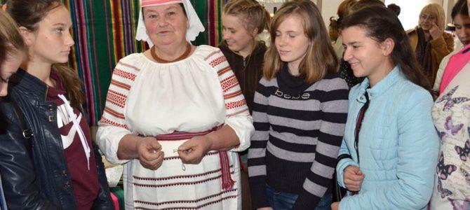 Відвіданнявиставки «Ольга Гайдучик. Ткацтво»